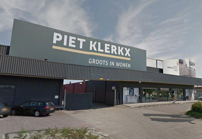 Piet Klerkx Waalwijk : Drukte bij piet klerkx waalwijk op tweede kerstdag