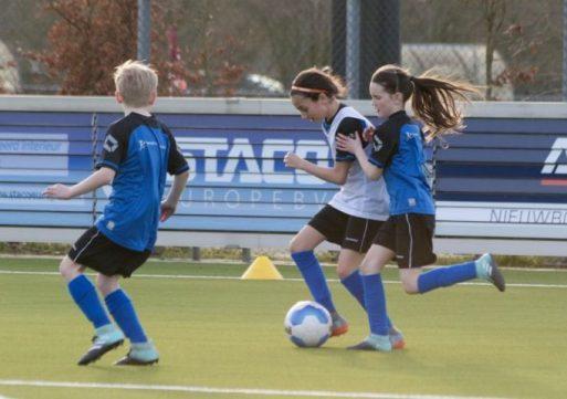 RWB Waalwijk en Voetbalschool De Langstraat starten samenwerking